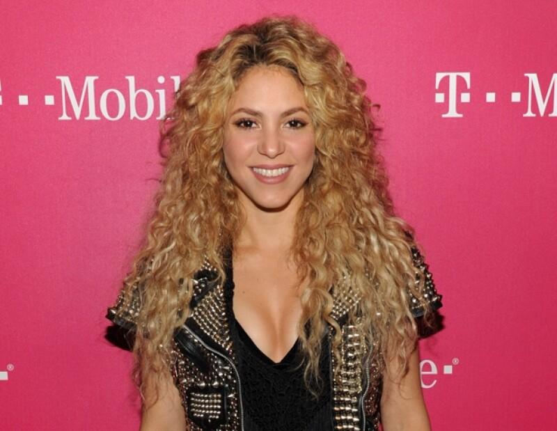 Después de dedicarse de lleno a su nueva familia, la estrella colombiana ya tiene fechas para lanzar su nueva canción en noviembre.