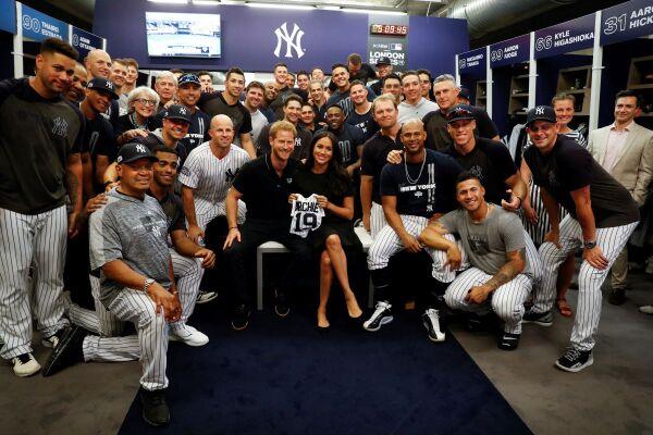 Los Duques de Sussex y los New York Yankees