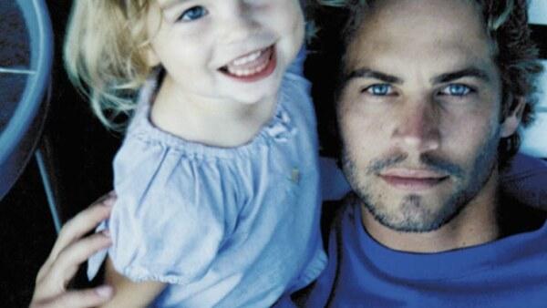 Como tributo a su papá, Meadow publica una foto nunca antes vista de ella y el actor en redes sociales.