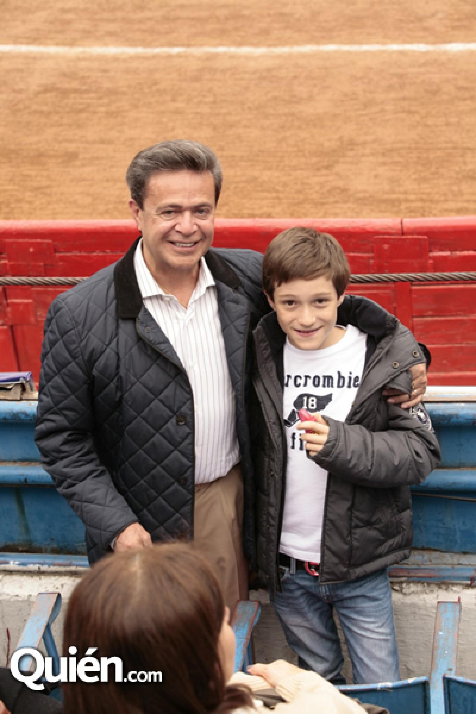 Carlos Peralta,Nicolas Peralta
