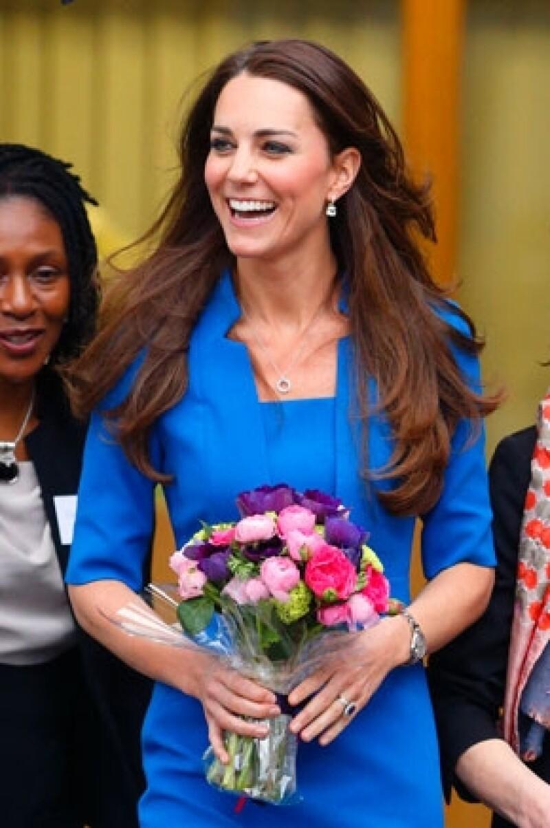 Denis McAdam, quien trabajó 35 años con la familia real inglesa, platicó en Radio Times sobre el look de la Duquesa así como de otros familiares.