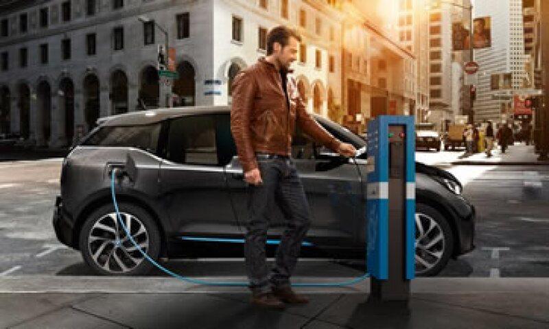 Las 'electrolineras' tendrán 2 conectores capaces de recargar, en 30 minutos, 80% de la batería. (Foto: Nissan México/Cortesía)