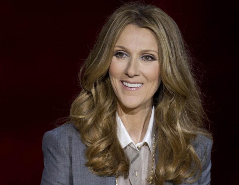 """La intérprete canadiense interpretó una nueva versión del famoso tema """"Rolling in the deep"""", mismo que hiciera famoso la cantante británica."""