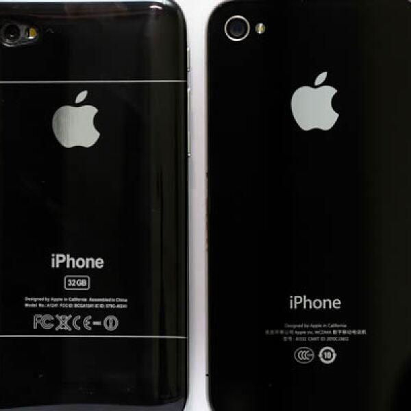 """En el portal de ventas por Internet Taobo, de Alibaba, ya se puede pedir el """"hiPhone 5"""" por 31 dólares. El iPhone 4 se vende desde 9,799 pesos."""