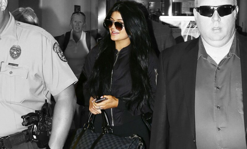 kylie-jenner-arrives-at-miami-international-airport-06-19-2015_1