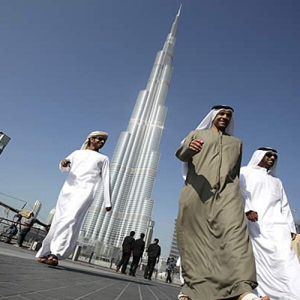 A pesar de la crisis por la que pasa Dubái, Burj Dubai será el nicho de negocios, el cual tuvo un costo de más de 1,500 millones de dólares.