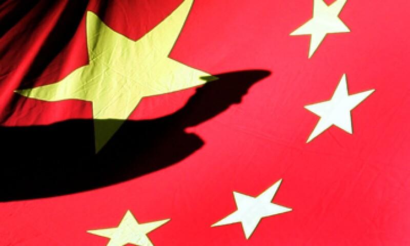 A través de su agencia de noticias, China instó a EU a aplicar el sentido común para reducir sus gastos en defensa y bienestar social. (Foto: AP)