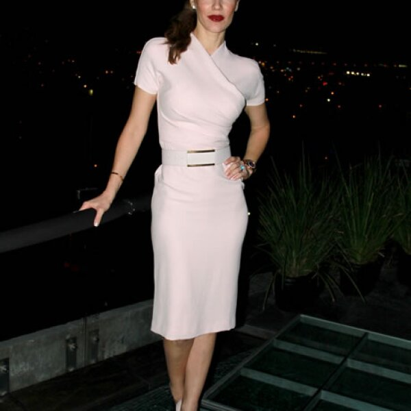 La elegancia que caracteriza a Jaydy Michel la hace verse bien en todos los eventos.