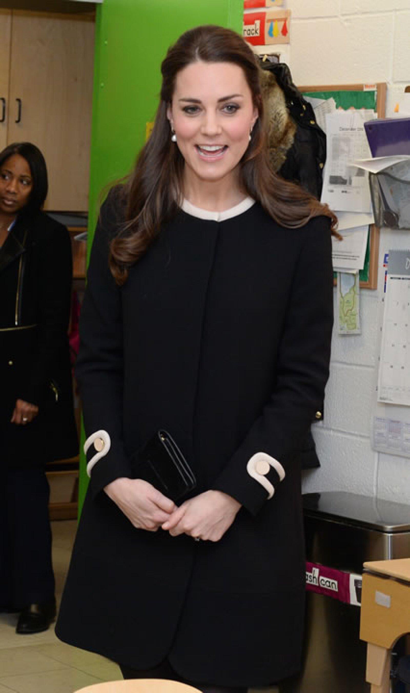 EN Diciembre 8 Kate eligió un negro.