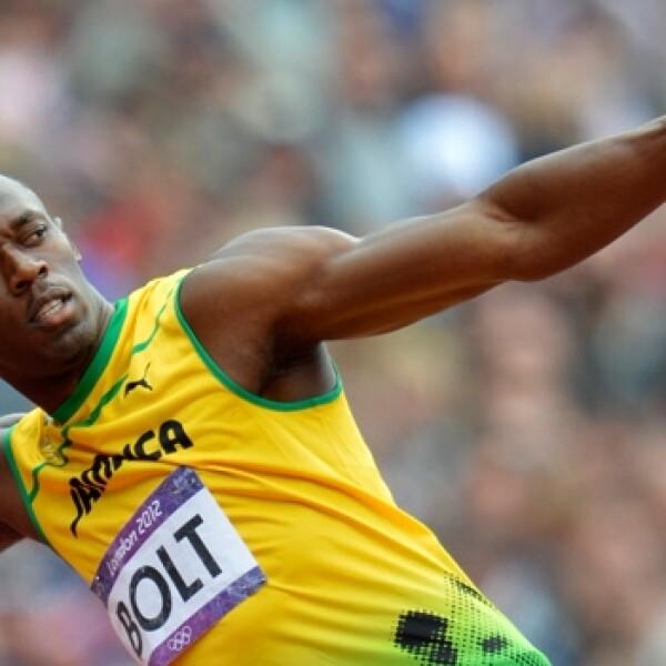 Usan Bolt celebra tras una carrera