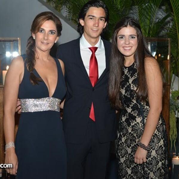Bárbara y Vicente López con Dany Moreno.