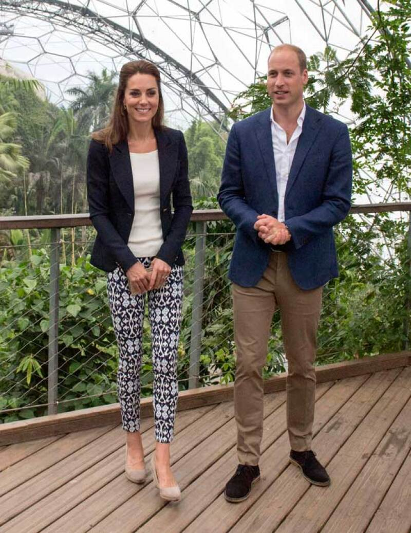 La pareja visitó el Eden Project en Cornwall antes de viajar a Sicilia.