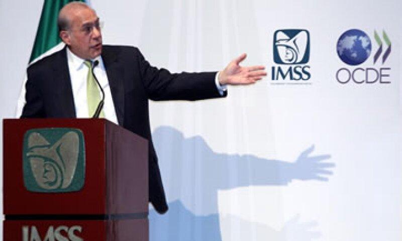 La OCDE dio 70 recomendaciones al IMSS para emjorar sus procesos de compras. (Foto: Notimex)