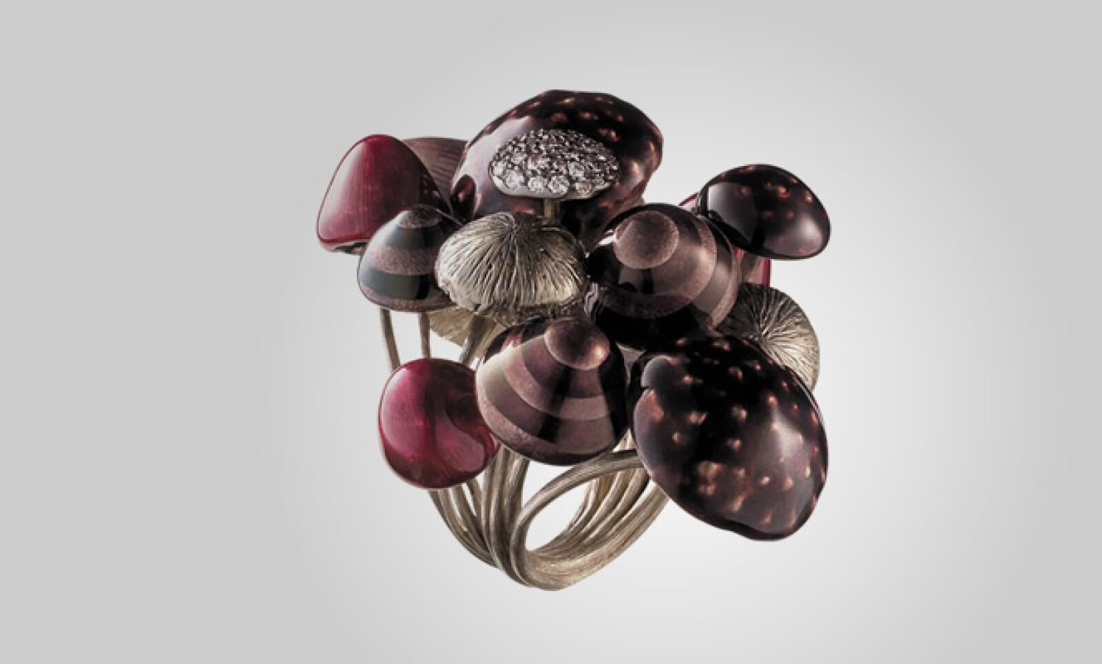 Las 5 creaciones de H. Stern, cada una en dos tamaños, están disponibles bajo pedido especial.