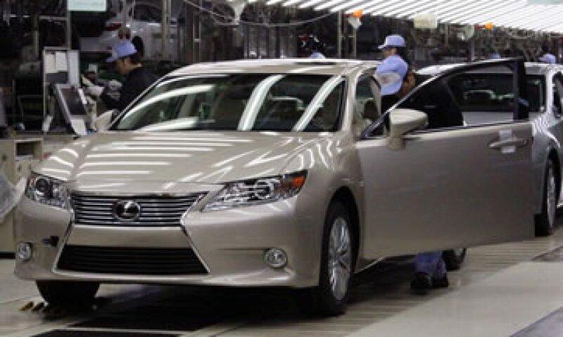 Toyota recibió un subsidio que otorga el Gobierno japonés a las empresas amigables con el medio ambiente. (Foto: Reuters)