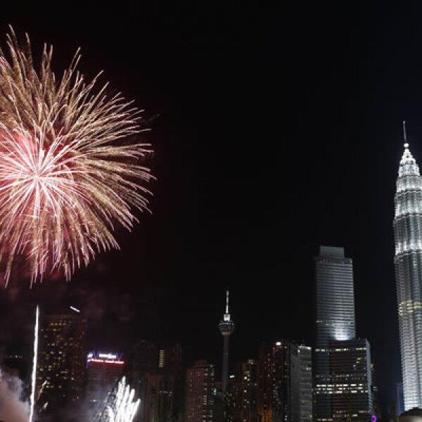 La celebración en las Torres Petronas, ubicadas en la capital de Malasia y consideradas las más altas del mundo entre 1998 y 2003.