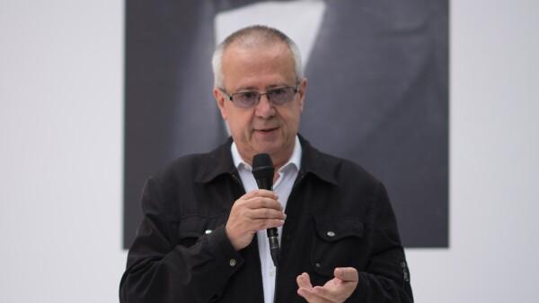 Carlos Urzúa ratificado por