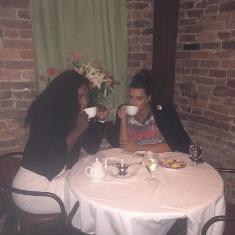 La tenista y la esposa de Kanye West cenaron en un restaurante italiano, un día antes de la esperada competencia entre Serena y su hermana Venus en el US Open.