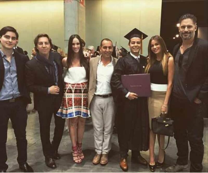 Manolo estuvo rodeado por su familia en esta gran fecha.