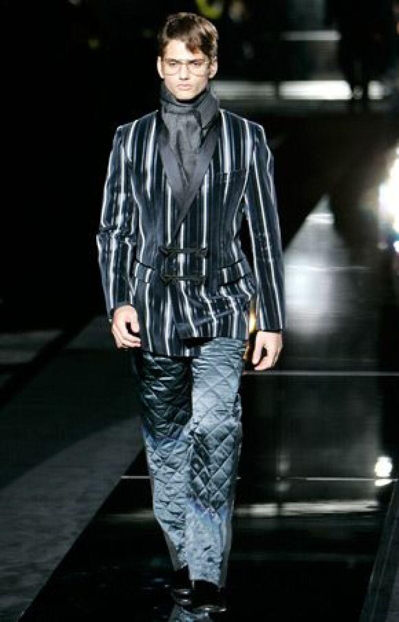 Los modistos italianos dijeron no tener nada que aprender de su compatriota Giorgio Armani, que la víspera los acusó de copiarle un modelo de pantalones.