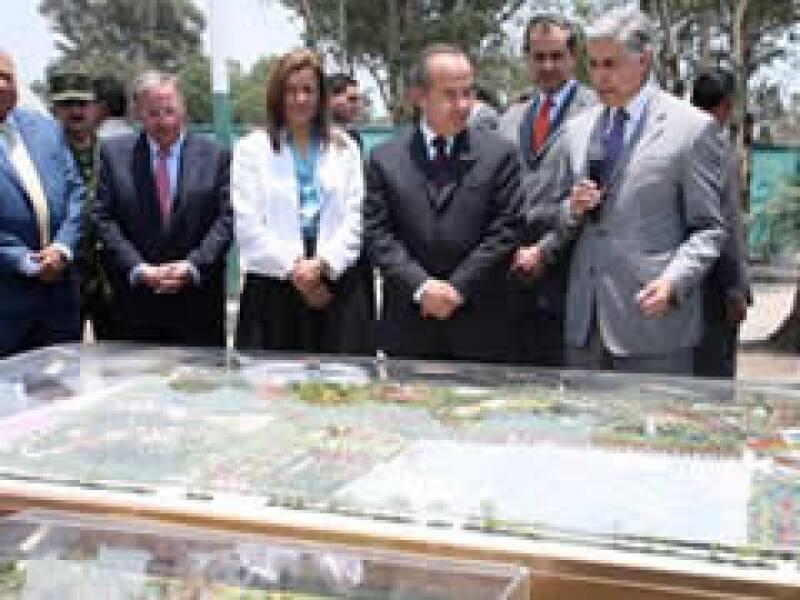 El parque estará sobre los terrenos de la Ex Refinería de Azcapotzalco. (Foto: Cortesía Presidencia)