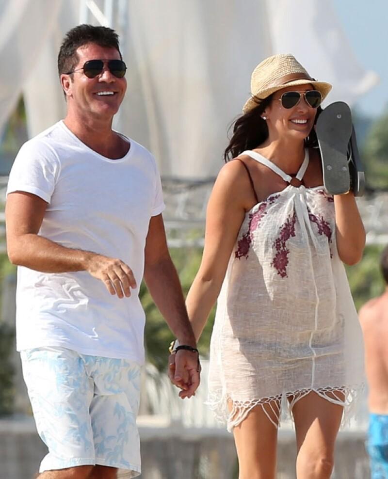 Muy enamorados y disfrutando del calor de Francia, el productor y su pareja decidieron pasar el fin de semana pasado en Niza sin importarles las cámaras.