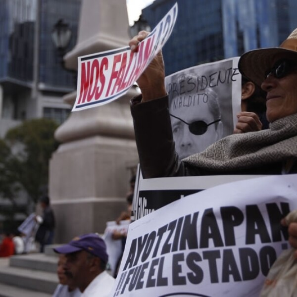 Ayotzinapa_marcha_6meses_6