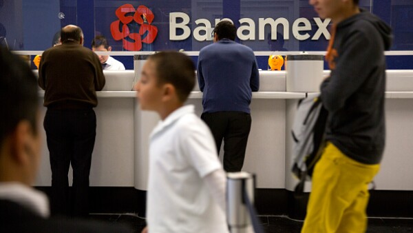 3.3 millones de mexicanos cuentan con un producto financiero, según la ENIF 2015.