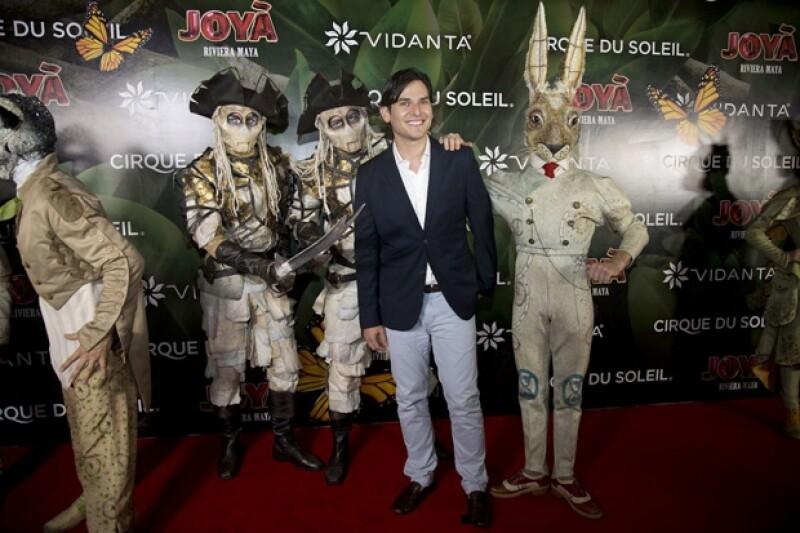 El actor de `Hoy no me puedo levantar´acudió a The Grand Mayan como invitado especial a la función.