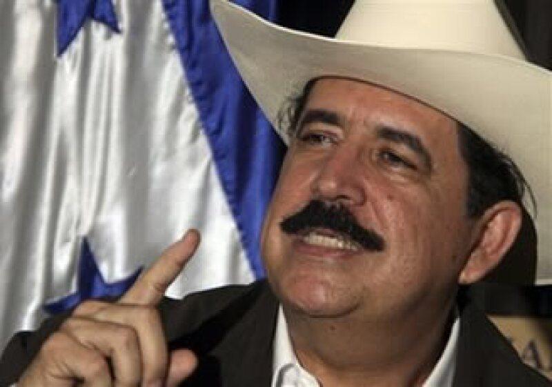 El depuesto mandatario hondureño ha dicho que no renunciará a volver a su país. (Foto: AP)