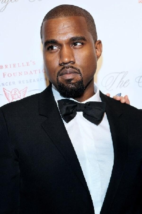 Kanye podría diseñar el vestido de la bella Kardashian.