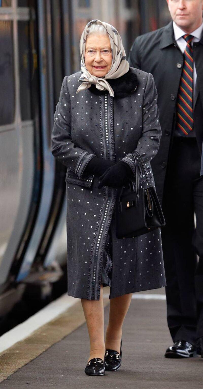 A diferencia de Kate, la reina Isabel únicamente gastó alrededor de 80 dólares.