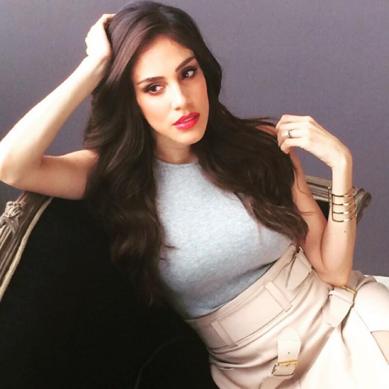 """La actriz ha retomado su faceta como cantante y lanzará su segundo sencillo del año, """"Ayúdame"""", el primero de agosto. Escucha aquí un preview."""