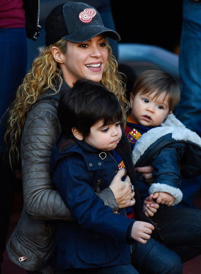 Ahora que Gerard Piqué ganó el Mundial de Clubes junto al F.C. Barcelona, su pequeño hijo de  casi un año de edad no podía faltar a la celebración.