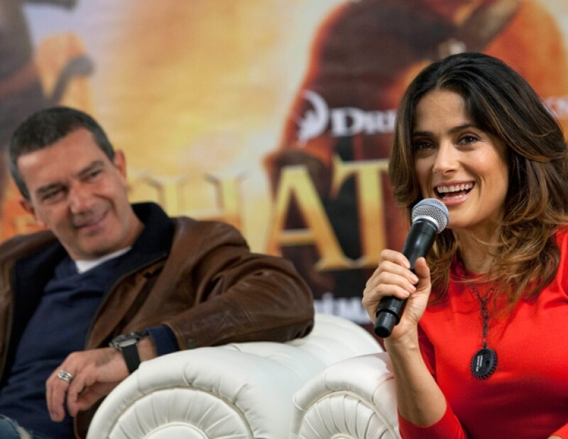 """La actriz continúa con la promoció de la cinta de """"El Gato con Botas"""", en compañía de Antonios Banderas. Ahora estuvieron en París."""