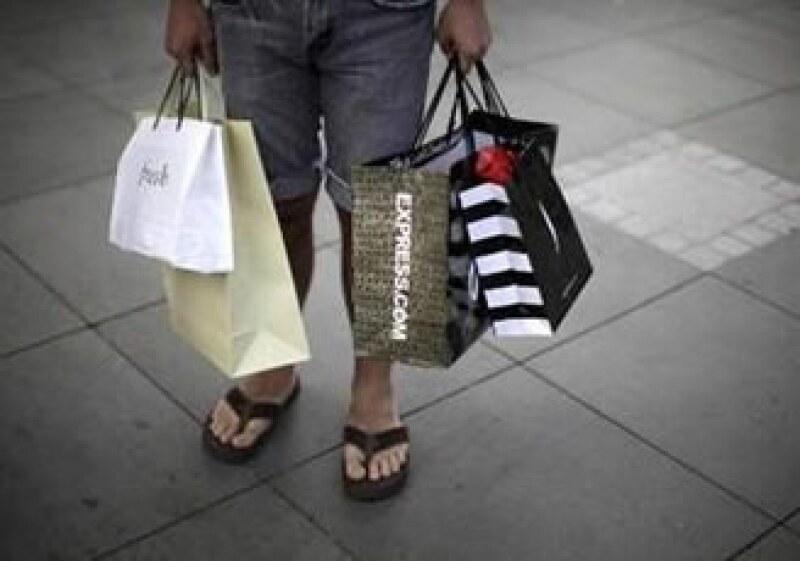 Las ventas al menudeo en octubre subirán un mínimo de 2.5%, prevén expertos. (Foto: Reuters)