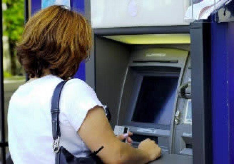El costo de financiamiento al consumo e inversión sigue elevado. (Foto: Archivo)