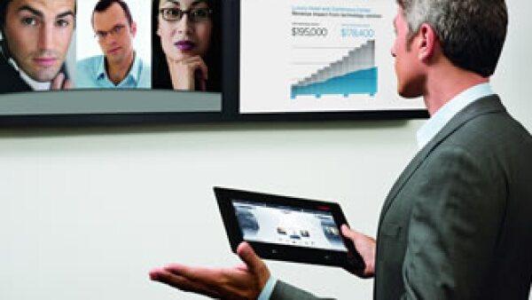 Los empleados obtienen hasta 70% de su información estratégica directamente de otra persona. (Foto: Avaya)