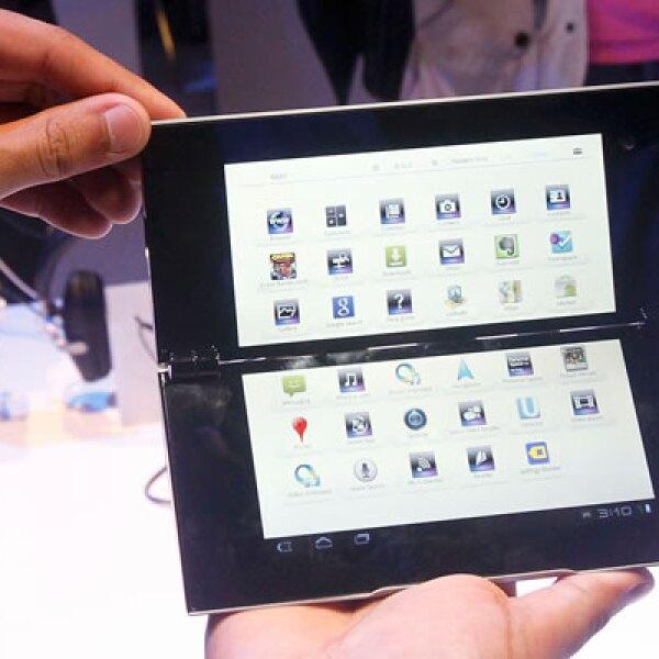 Los dos dispositivos utilizan el sistema operativo Android Honeycomb de Google.