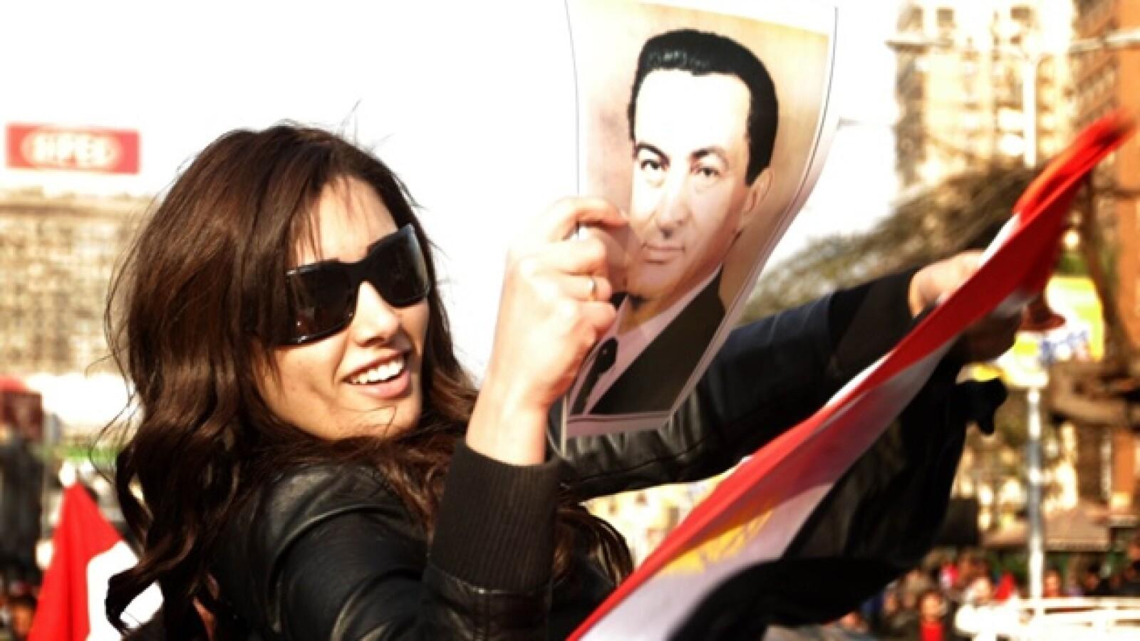 Joven con la imagen de Mubarak