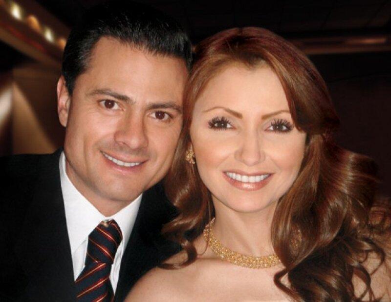 """Fue durante el programa """"Shalalá"""", que conduce Katia D´Artigues y Sabina Berman, que finalmente Enrique Peña Nieto aceptó andar de novio de Angélica Rivera."""