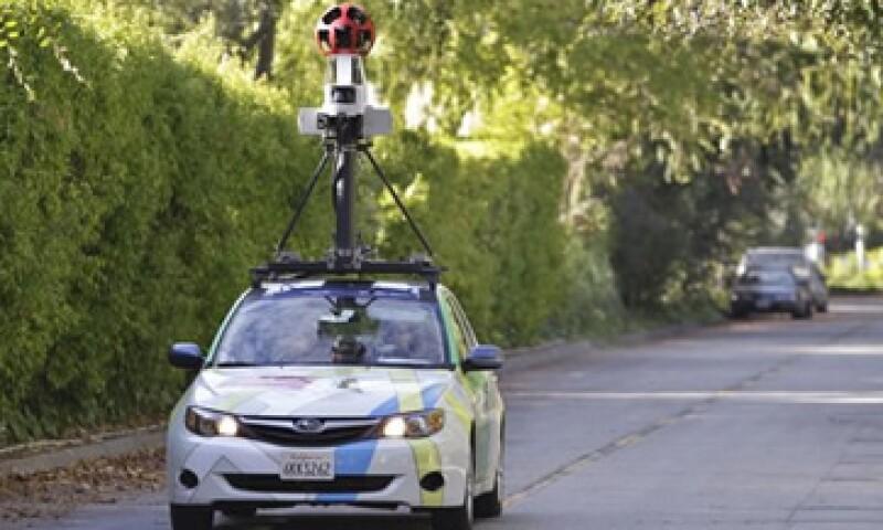 El Gobierno de EU mandó a comparecer a un ingeniero de Google que desarrolló el código de programación de Street View (Foto: Reuters)