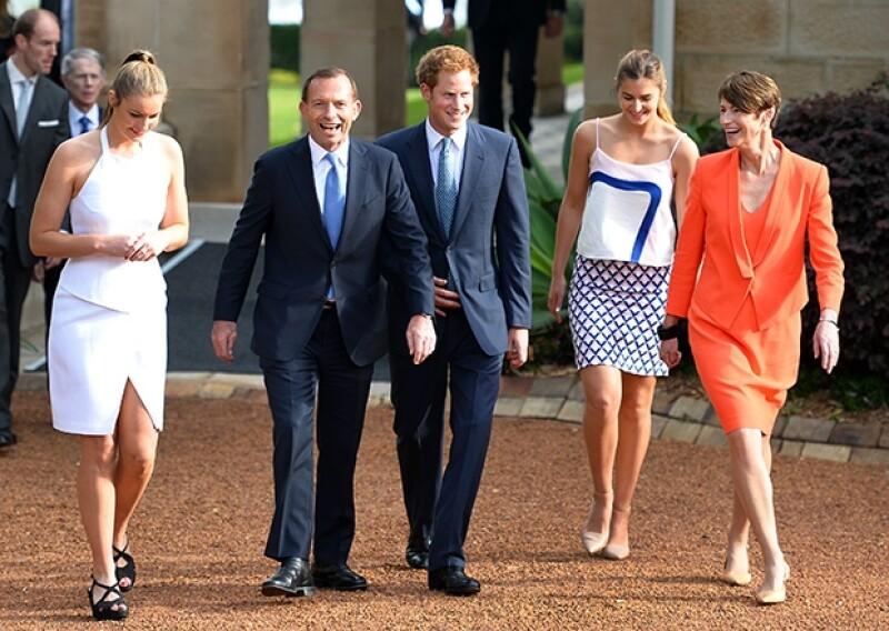 Fue recibido por el Primer Ministro australiano Tony Abbott y su familia.