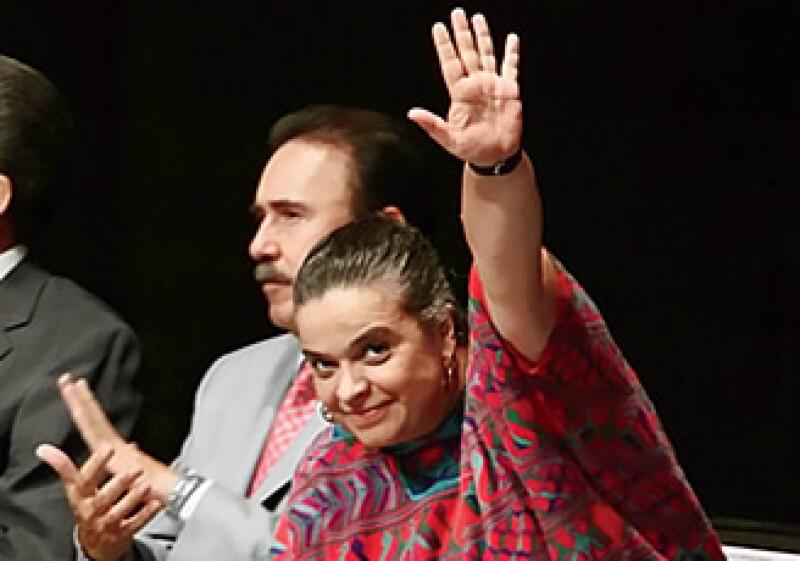 El mejor incentivo para llegar a un acuerdo legislativo es que Beatriz Paredes y el PRI se sientan cerca de Los Pinos. (Foto: Procesofoto)