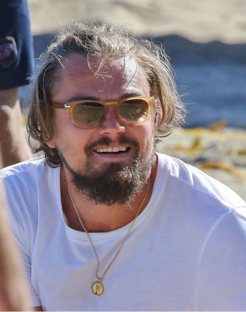 El famoso actor ha recibido severas críticas por un look desaliñado que contrasta al de Toni Garrn, su joven novia modelo.