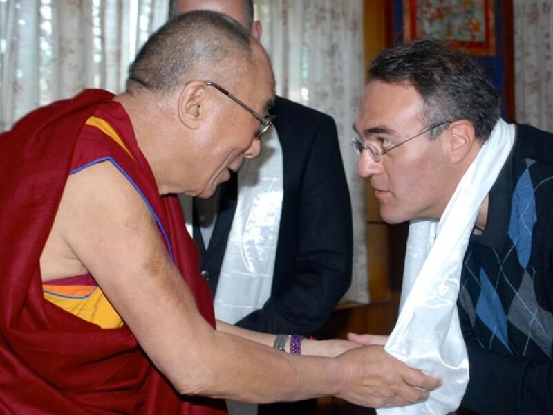 El líder espiritual del budismo se encuentra en México por tercera ocasión y Tony Karam nos comentó que para el Dalai, México es un país dotado de gran fe y viene a ofrecer su mano amiga.