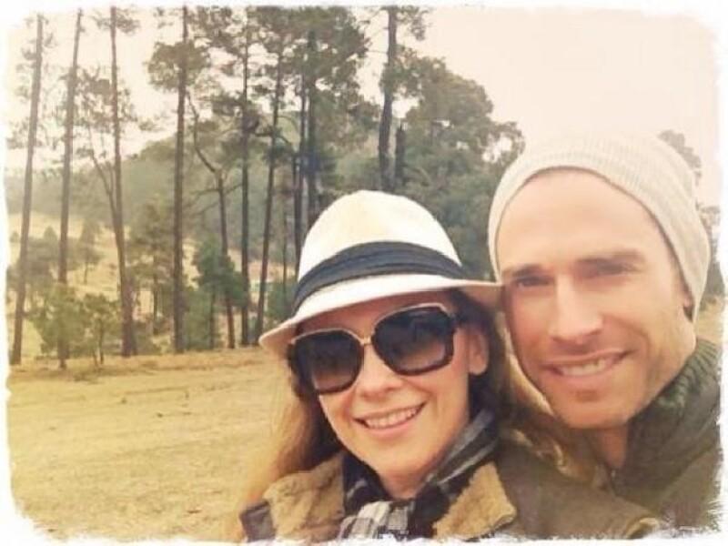 La pareja disfruta de los momentos en familia y lo comparte en las redes sociales.