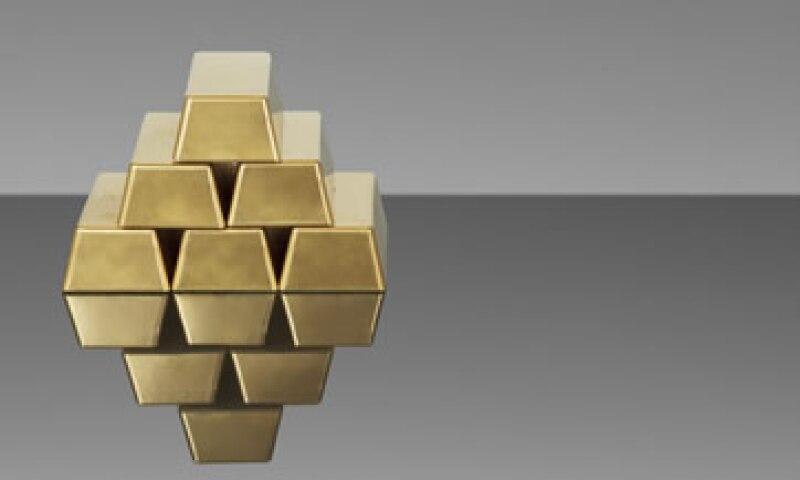El mes pasado los inversionistas retiraron 6,770 millones de dólares del mayor fondo cotizado en oro. (Foto: Getty Images)