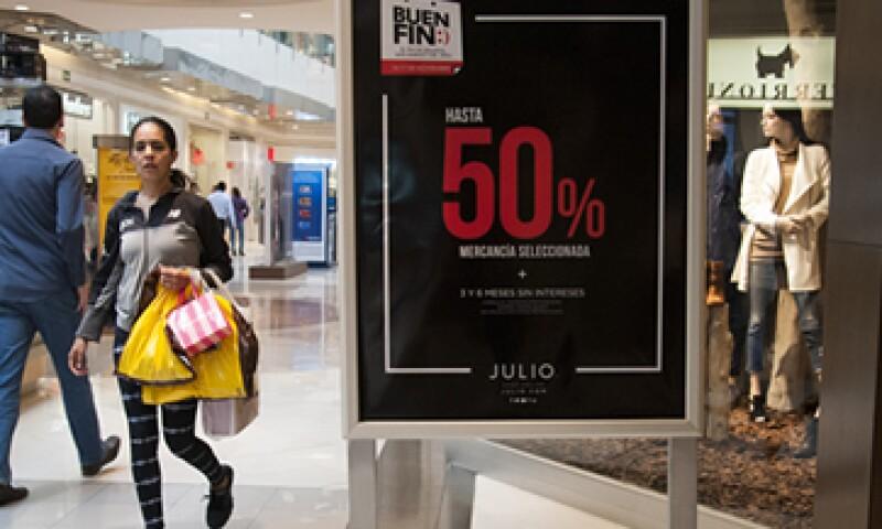 Las tiendas ofrecen diversas promociones para los consumidores durante El Buen Fin. (Foto: Cuartoscuro )