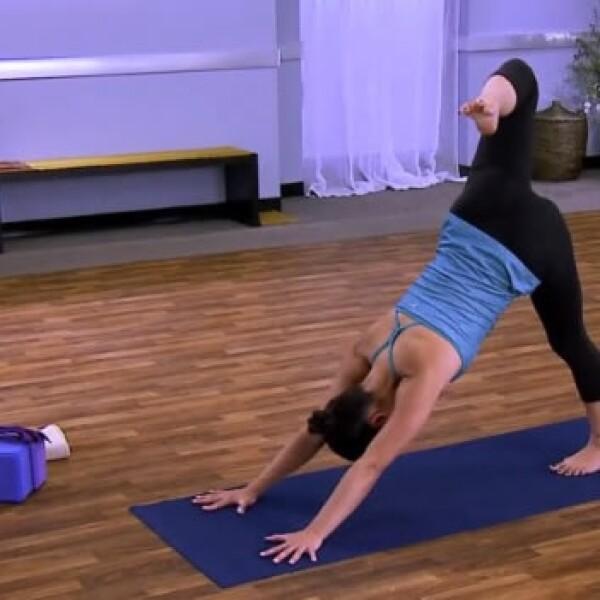 pierna arriba yoga